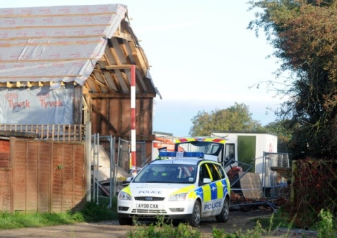 Gable end wall collapse kills builders