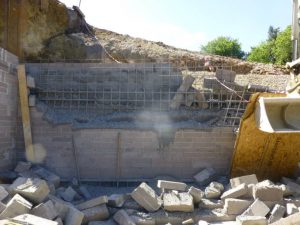 Construction worker dies in wall collapse