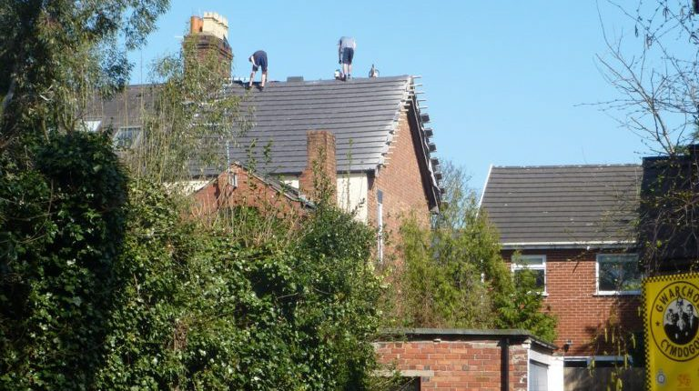 Roofer fined after workers put at extreme risk